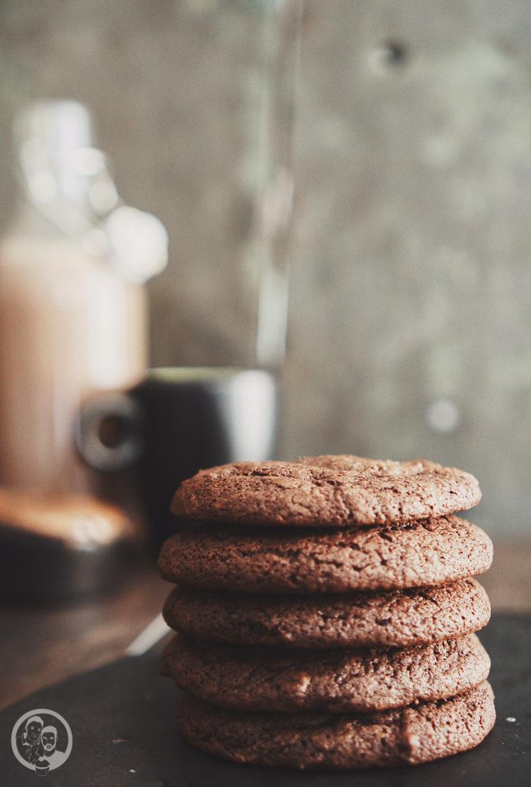Nutella stuffed cookies mW 3 | Vor ein paar Wochen waren wir wieder einmal bei Torstens Patenkind Linn und ihrer Schwester Filli zu Besuch. Obwohl wir gar nicht so weit auseinander wohnen, schaffen wir es leider nicht so oft, uns zu sehen. Aber auch vielleicht daher ist die Freude bei uns beiden immer ganz groß, wenn wir uns treffen.