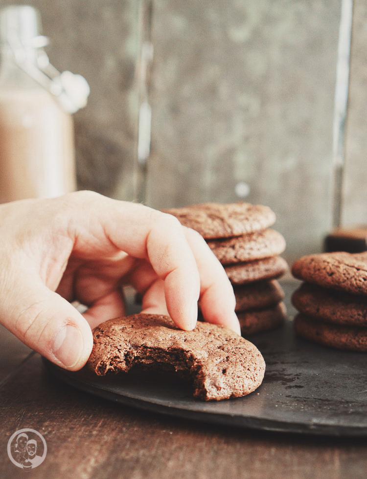 Nutella stuffed cookies mW 9 | Vor ein paar Wochen waren wir wieder einmal bei Torstens Patenkind Linn und ihrer Schwester Filli zu Besuch. Obwohl wir gar nicht so weit auseinander wohnen, schaffen wir es leider nicht so oft, uns zu sehen. Aber auch vielleicht daher ist die Freude bei uns beiden immer ganz groß, wenn wir uns treffen.