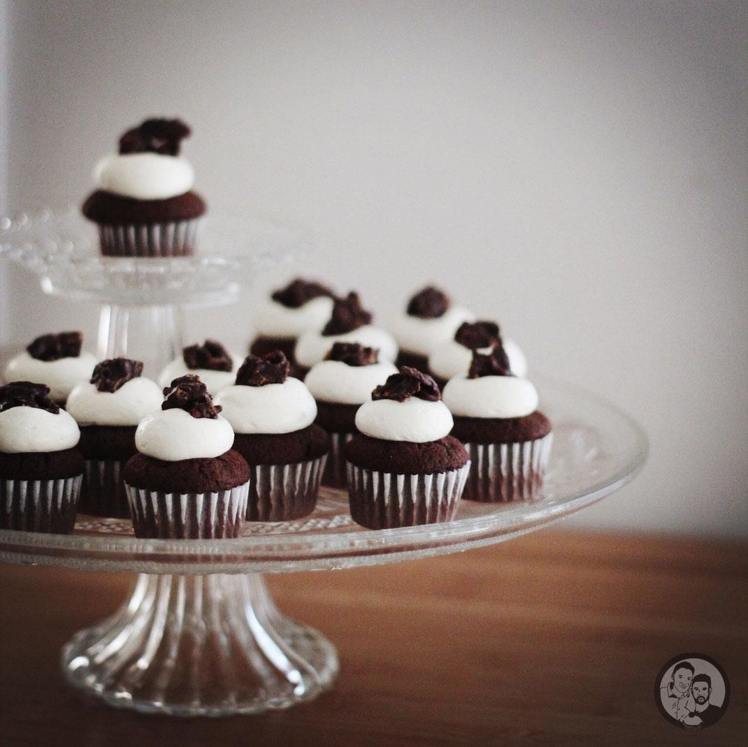 black white cupcakes 1 |
