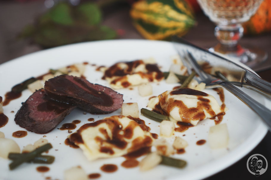 herbstdinner wild hirschlachs hauptgericht ravioli pfifferlinge rezept blog foodblog k%C3%B6ln | Fleischgerichte