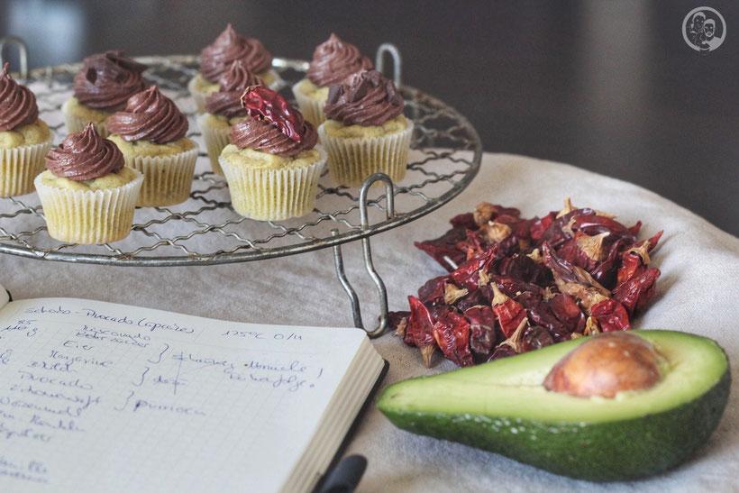 schoko avocado cupcakes 3 | Wir wollen schon seit Ewigkeiten einmal mit Avocado backen und jetzt haben wir es endlich getan...