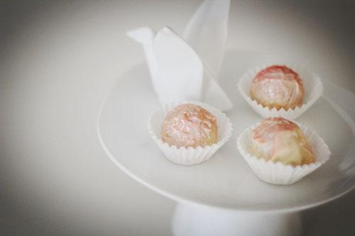 schoko ernuss tr%C3%BCffel mit licor 43 | Teatime/Kleine Gebäckplatte (www.raeder.de)