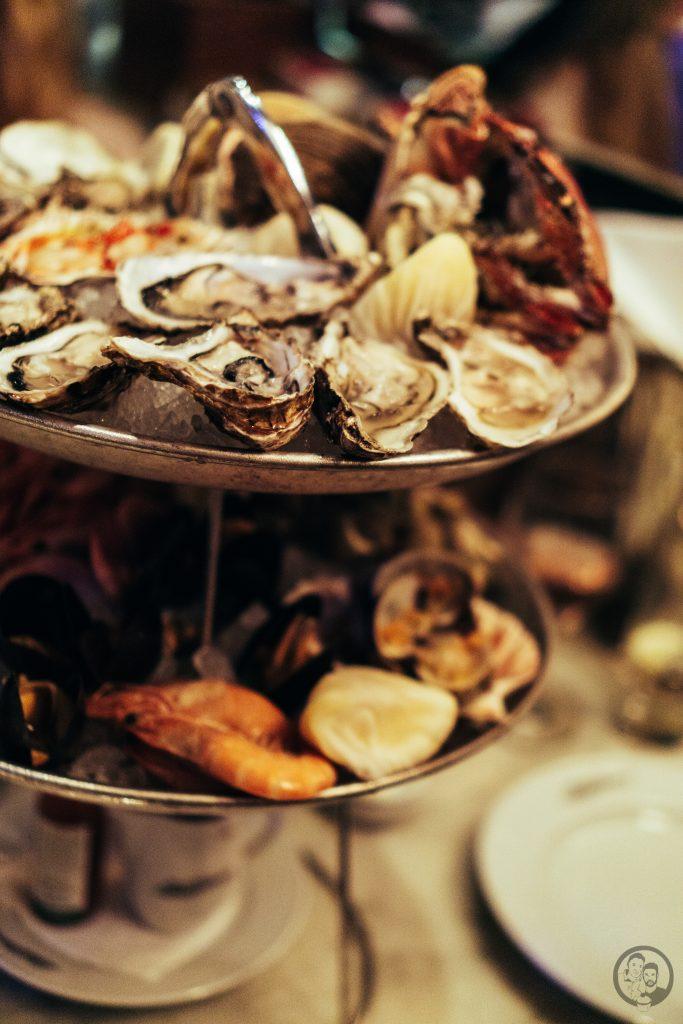 Austern auf Seafood Platte