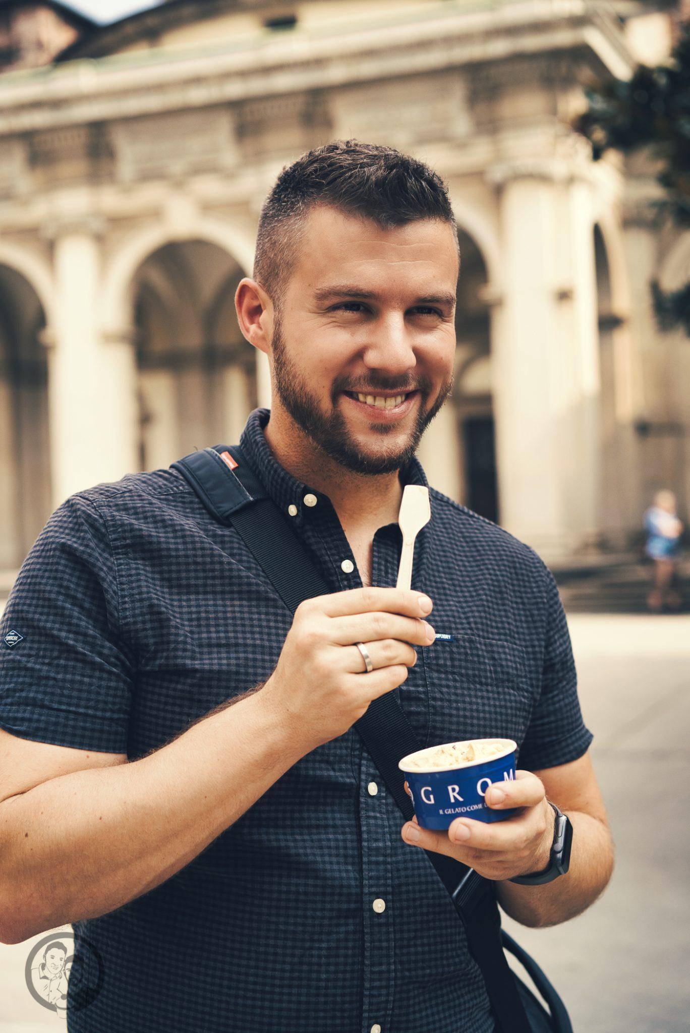 natural mailand aperitivo 8 | Vielleicht könnt ihr euch noch daran erinnern, dass wir uns vor ein paar Wochen mit einem neuen Rezept aus Mailand gemeldet haben. Denn genau dort dürften wir zwei schöne Tage verbringen. Die Stadt ist nicht nur für Mode sondern auch für eine tolle Food-Szene bekannt. Warum wir in Mailand waren und was unser neues Rezept für einen Pflaumen-Vermouth-Spritz damit zu tun hat und warum Naturals Chips der perfekte Begleiter dazu sind - das wollen wir euch heute zeigen.