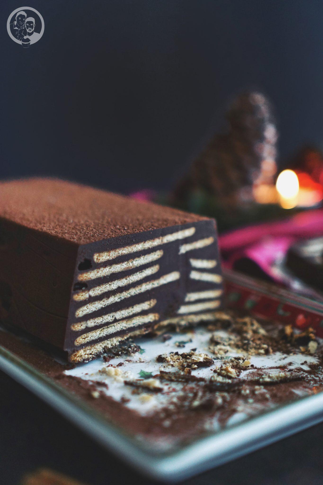 Kalter Adventshund ohne Palmfett 5 | Diesen Sonntag fängt nun wirklich die Adventszeit an. War es doch so, dass wir gefühlt vor einigen Wochen, noch in kurzer Hose herumlaufen konnten und nun soll es echt fast schon Weihnachten sein ... aber so ist das nun mal. Daher gibt es heute schon einen weihnachtlichen Kuchen ... Kalter Adventshund haben wir ihn genannt.