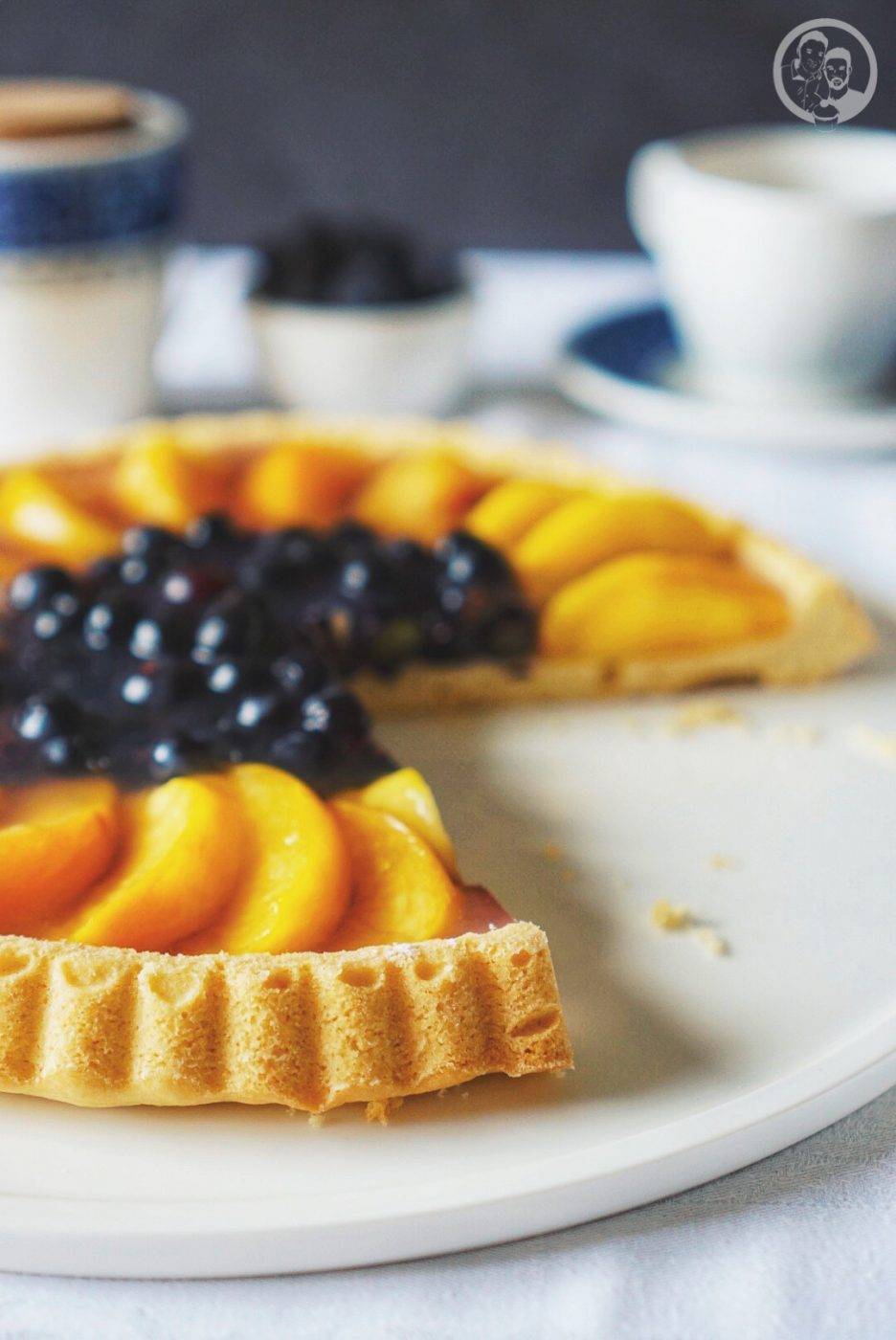 Oma Lores Obstboden mW 5 | Gestern am 28.09.17 wurde unsere liebe Oma Lore 92 Jahre alt. Und wir haben diesen Ehrentag sehr gerne mit ihr gefeiert. Oma Lore hatte auch einen klaren Kuchenwunsch ein Obstkuchen mit Oma Lores Obstboden! Morgens kamen dann schon die ersten Gäste und wir haben sie mit Brötchen, Käse und Wurst und vielen unserer Marmeladen verköstigt. Es ist so schön zu sehen, wie ihr Augen leuchten wenn die Bude voll ist. Auch wenn sie manchmal nur zuhört und müde ist, das Grinsen im Gesicht ist Gold wert.