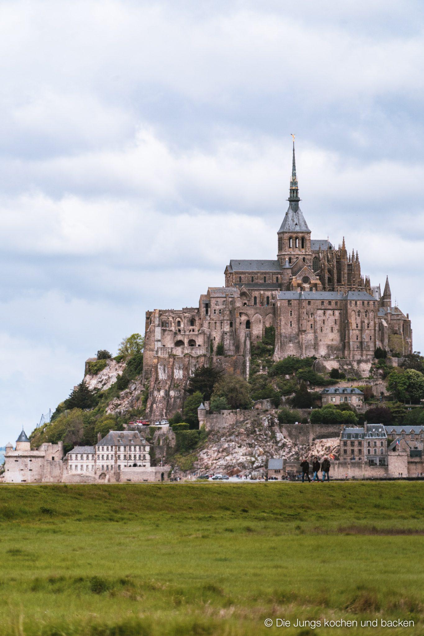 Mont Saint-Michel aus der Ferne
