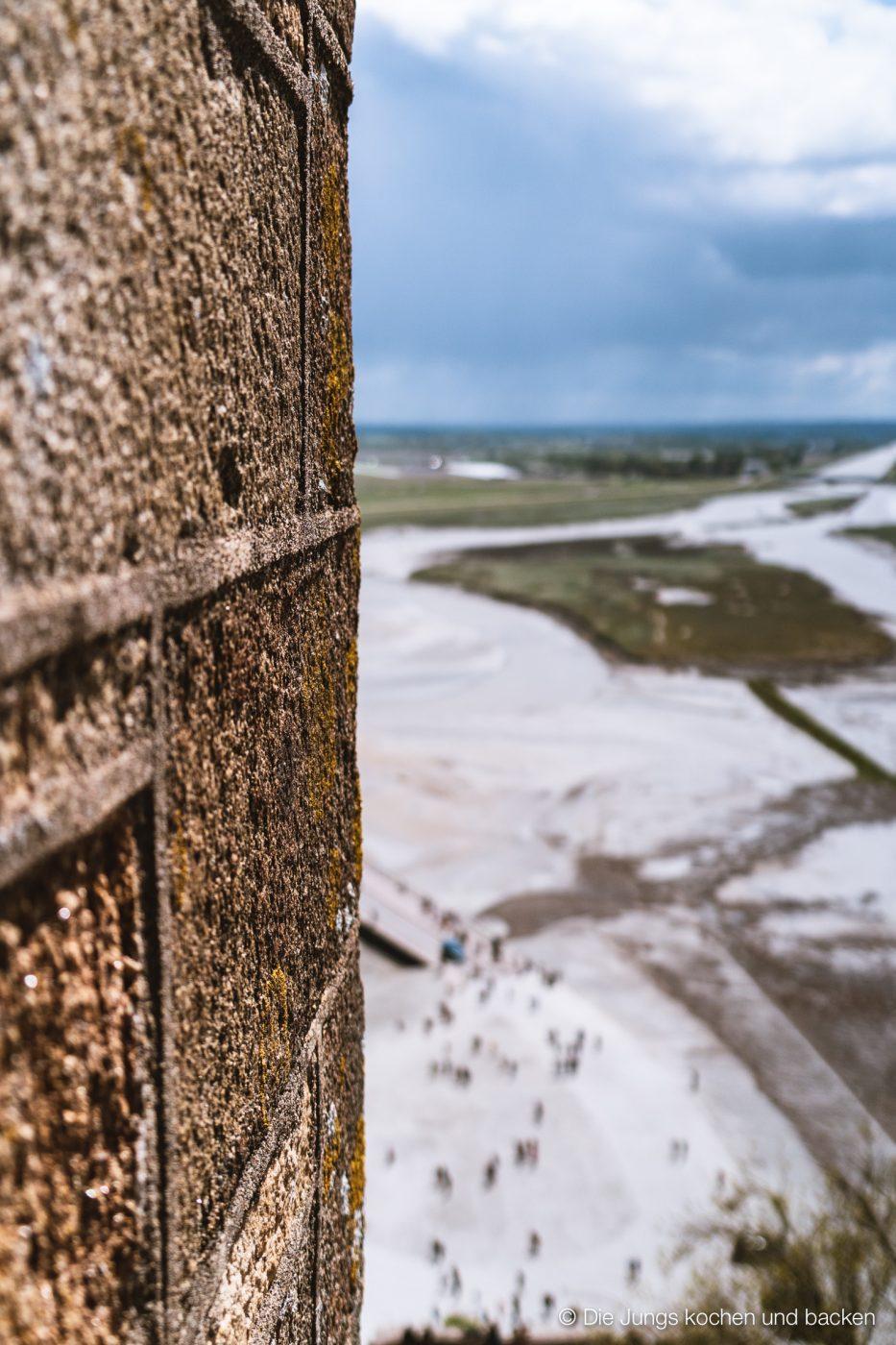 Wohnmobil Etrusco Bretagne 33 | Heute haben wir einen besonderen Reisebericht für euch, denn wir hatten eine absolute Premiere - Reisen mit einem Wohnmobil! 5 Tage lang waren wir unterwegs und unser Ziel war die wunderschöne Smaragdküste in der Bretagne. Hier haben wir es uns kulinarisch richtig gut gehen lassen, tolle Eindrücke gesammelt und vor allem unser schickes Gefährt  von Etrusco ausgiebig testen können. So viel sei verraten ... wir sind extrem angetan von einem Urlaub mit dem Wohnmobil und planen schon die nächste Wohnmobil-Tour.