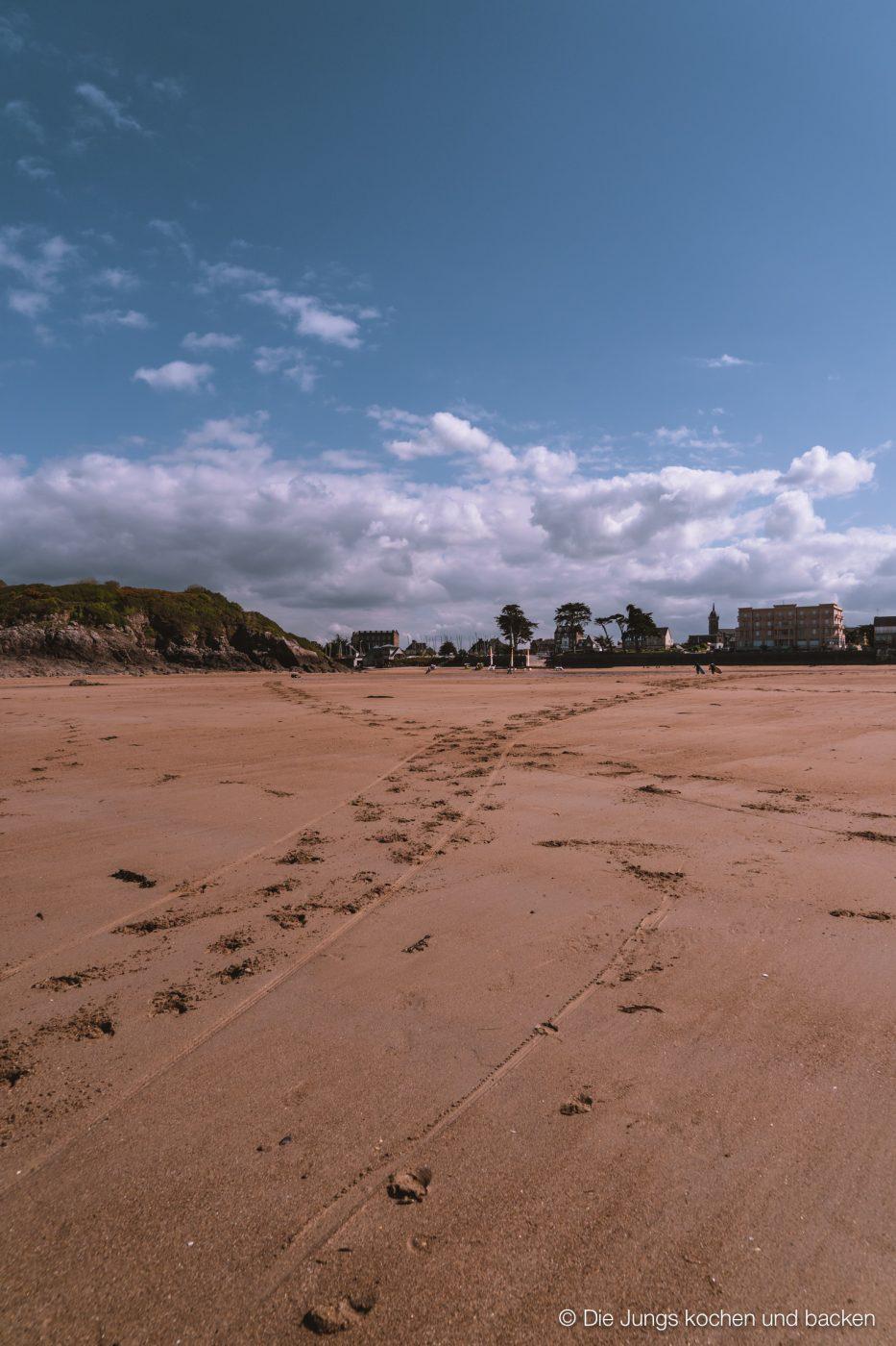 Wohnmobil Etrusco Bretagne 93 | Heute haben wir einen besonderen Reisebericht für euch, denn wir hatten eine absolute Premiere - Reisen mit einem Wohnmobil! 5 Tage lang waren wir unterwegs und unser Ziel war die wunderschöne Smaragdküste in der Bretagne. Hier haben wir es uns kulinarisch richtig gut gehen lassen, tolle Eindrücke gesammelt und vor allem unser schickes Gefährt  von Etrusco ausgiebig testen können. So viel sei verraten ... wir sind extrem angetan von einem Urlaub mit dem Wohnmobil und planen schon die nächste Wohnmobil-Tour.