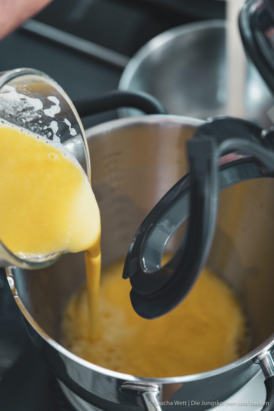 Solero Shot kenwood cookingchef drink 5 | Das heutige Rezept ist auf mehrere Arten etwas Besonderes und liegt uns riesig am Herzen! Dieses Rezept haben wir vor etwas mehr als 2 Jahren einfach total spontan zusammengebastelt. Seitdem ist unser Solero Shot, eines unserer beliebtesten Rezepte bei euch und das bis heute. Außerdem war es eine absolute Premiere und auch der Grund warum wir euch dieses Rezept heute erneut vorstellen. Es war unser erstes Rezept für die Kenwood Cooking Chef Gourmet! Ihr wisst ja, wie sehr wir diese Küchenmaschine lieben und freuen uns, gemeinsam mit Kenwood, euch dieses Rezept frisch und mit etwas überarbeiteter Rezeptur zu präsentieren.