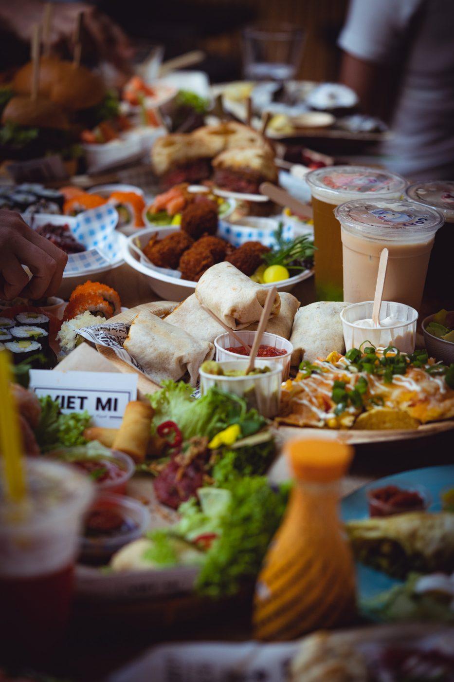 Foodhall Breda Visit Brabant 32 | Zum mittlerweile dritten Mal in Folge lassen wir an Silvester für euch unser Jahr Revue passieren! Dabei merken wir immer wieder, wie viel man eigentlich schon wieder vergessen hat. Aber auch, wie unglaublich viel in einem Jahr passieren kann. In diesem Jahr hat Feed Me Up Before You Go-Go eingeladen und dem Ruf folgen wir mehr als gerne - also kommt hier der große Jahresrückblick, unsere #FOODBLOGBILANZ2019