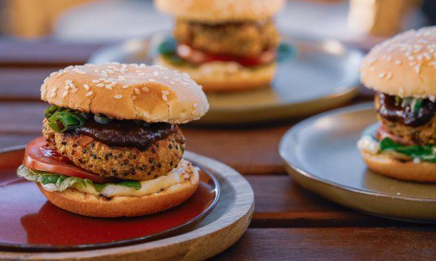 Veggie-Burger mit Erdnusspatty