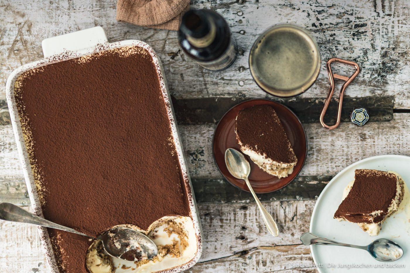 Rezept für den Dessertklassiker mit einer ganz neuen Komponente. Bierlikör und ein kräfitges Choclate Stout Bier machen dieses Tiramisu zu etwas ganz Besonderem! #tiramisu #dessert #süßspeise #bier