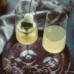 Williams Royale sektcocktail zwiesel 6 | Heute melden wir uns noch ein Mal mit einem letzten Rezeptpost für das Jahr 2019. Und was bietet sich da Schöneres an, als ein toller Drink, den man zwar nicht nur, aber auch zu Silvester servieren kann. Und unser Jahresabschluss Cocktail heißt Williams Royal.