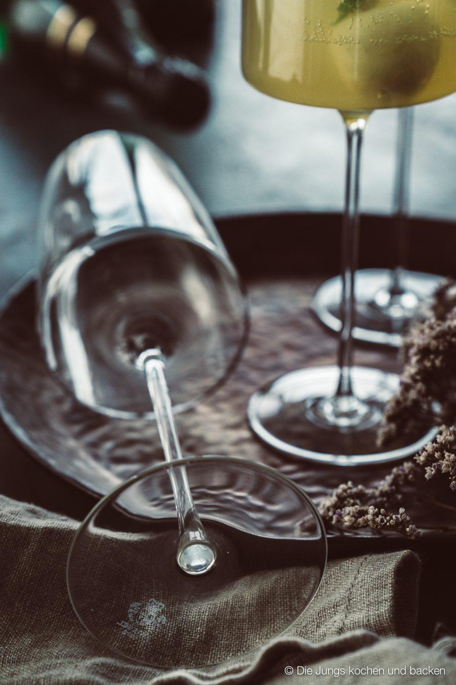 Williams Royale sektcocktail zwiesel 8 | Heute melden wir uns noch ein Mal mit einem letzten Rezeptpost für das Jahr 2019. Und was bietet sich da Schöneres an, als ein toller Drink, den man zwar nicht nur, aber auch zu Silvester servieren kann. Und unser Jahresabschluss Cocktail heißt Williams Royal.