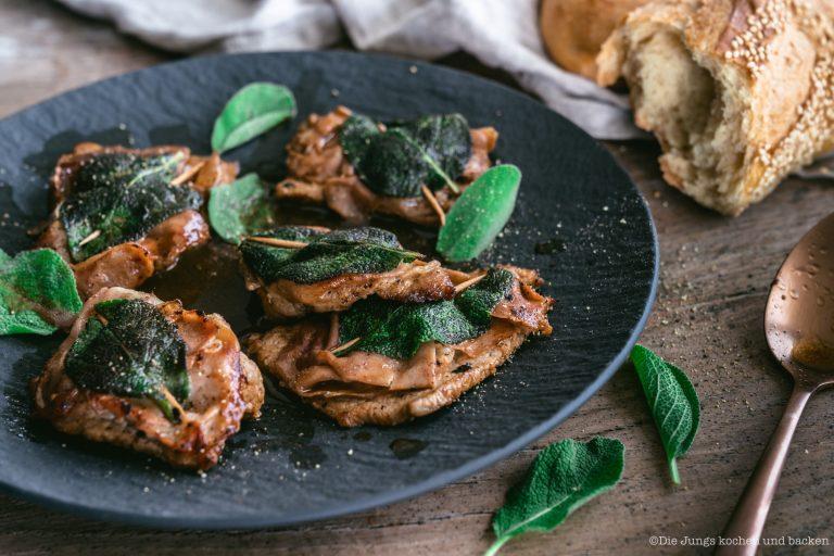 Rezept für Saltimbocca alla romana. Super schnell und einfach zubereitet auch als Anfänger. Typisch für die italinische Küche - wenige Zutaten, mega Aroma. #schnellerezepte #schnelleküche #italien #klassiker #kalb