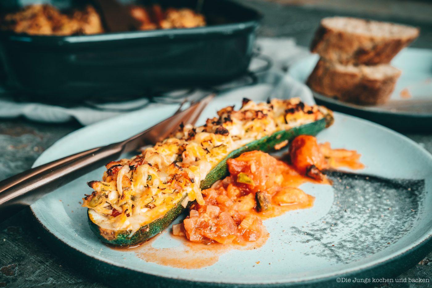 Rezept für gefüllte Zucchini mit Thunfisch. Ein wunderbares Gericht für die schnelle Feierabendküche | inklusive dem Thunfisch-Bericht 20190 des MSC!