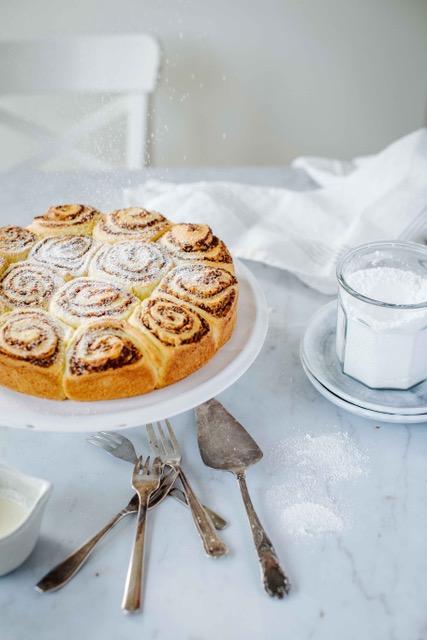 IMG 2943 | Schneckenkuchen ist in meiner Familie immer ein Highlight! Keine Sorge, das ist etwas Süßes und hat mit Schnecken nur bedingt was zu tun. Diesen Kuchen gab es immer bei meiner Oma und dafür hab ich so manche Torte definitiv stehen lassen. So saftig, nussig und dazu ein echter Hingucker. Dieses leckere Familienrezept haben wir Lisa von Liz&Friends geschickt, damit sie ihre Version unseres Schneckenkuchens backen kann - also nehmen wir euch mit zur Schneckenkuchen-Challenge!