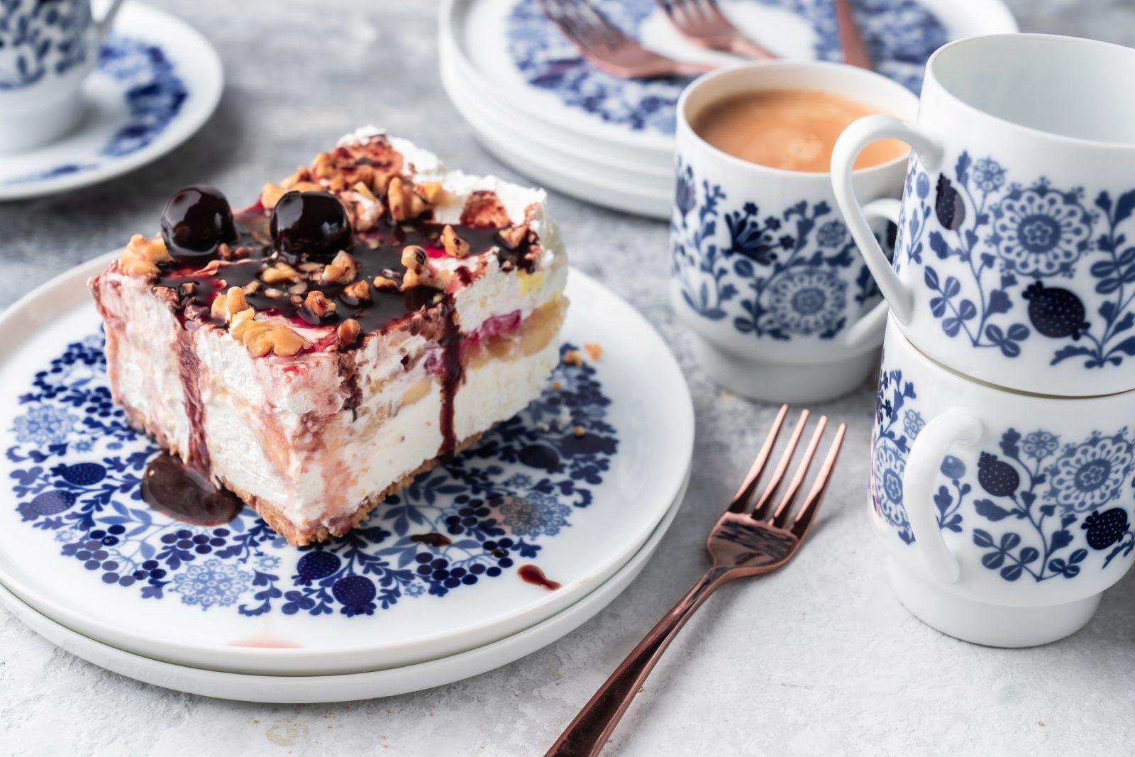Rezept für No Bake Banana Split Dessert   Unser Sommer-Dessert Nr. 1. Vom amerikanischen Original inspiriert. Fruchtig, Schokolade und cremig.