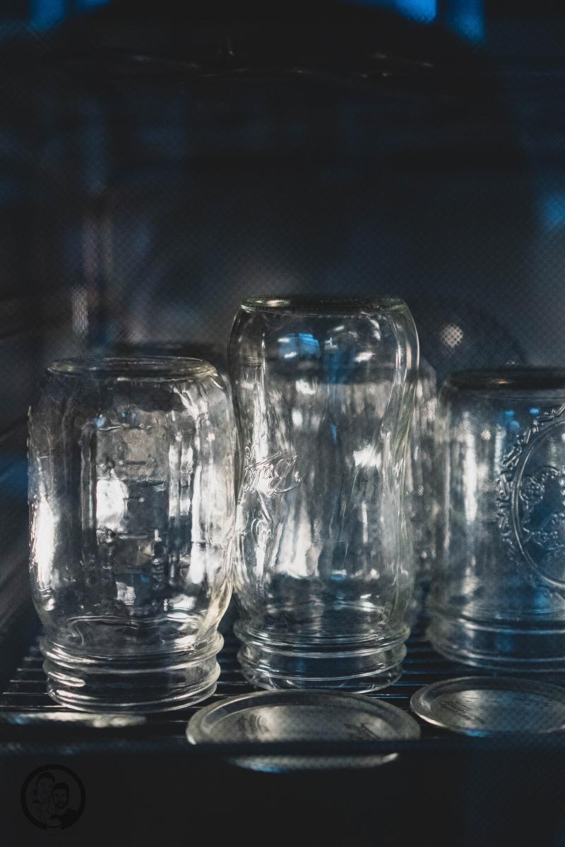 Gläser beim Entkeimen